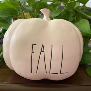 Rae Dunn FALL Pumpkin.